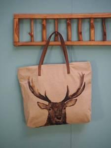 Bilde av Bomull veske,hjortebilde og lærhåndtak